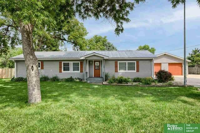 211 S 10th Street, Fort Calhoun, NE 68023 (MLS #22116096) :: Lincoln Select Real Estate Group