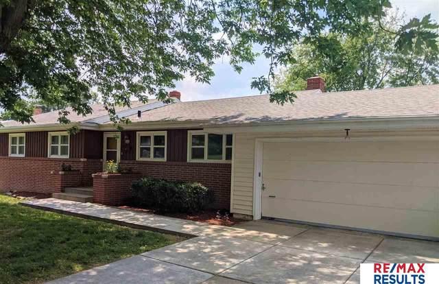 2506 S 49th Street, Omaha, NE 68106 (MLS #22117149) :: Elevation Real Estate Group at NP Dodge
