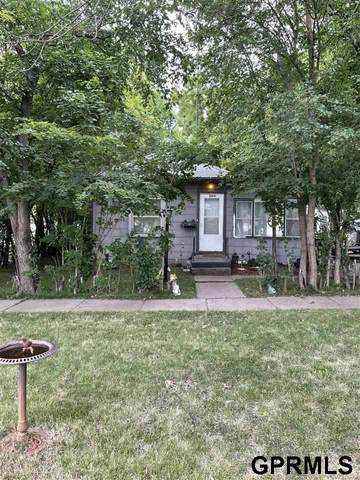 1004 Peach Street, Lincoln, NE 68502 (MLS #22117182) :: Lincoln Select Real Estate Group