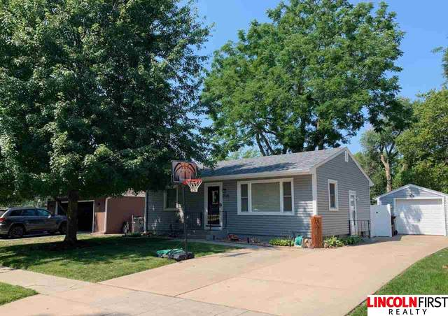2535 S 54Th Street, Lincoln, NE 68506 (MLS #22117344) :: Catalyst Real Estate Group