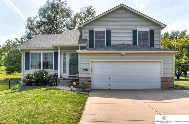 13514 S 32 Street, Bellevue, NE 68123 (MLS #22117535) :: Dodge County Realty Group