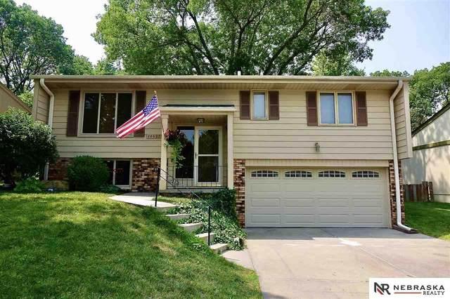 14627 Walnut Grove Drive, Omaha, NE 68137 (MLS #22117815) :: Dodge County Realty Group