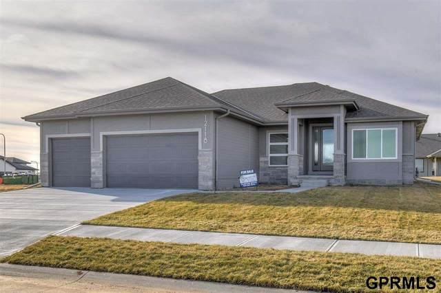 18509 Wirt Circle, Elkhorn, NE 68022 (MLS #22118603) :: Lincoln Select Real Estate Group