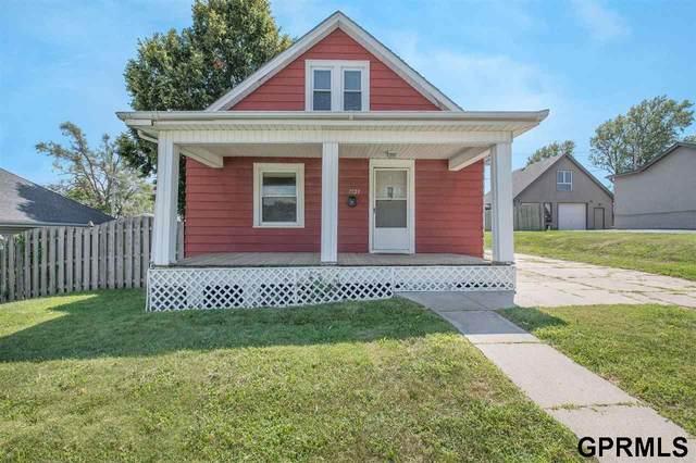 7723 Main Street, Omaha, NE 68127 (MLS #22119279) :: kwELITE