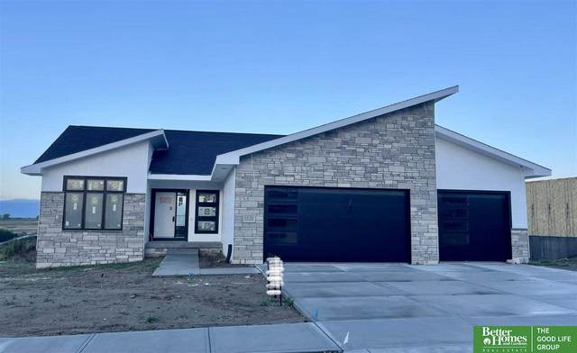 12122 S 206th Street, Gretna, NE 68028 (MLS #22120920) :: Omaha Real Estate Group