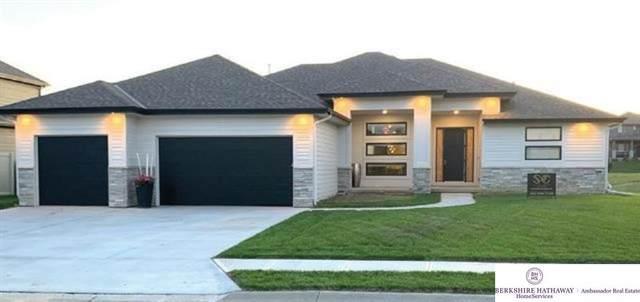 8223 N 167 Street, Bennington, NE 68007 (MLS #22121224) :: Don Peterson & Associates