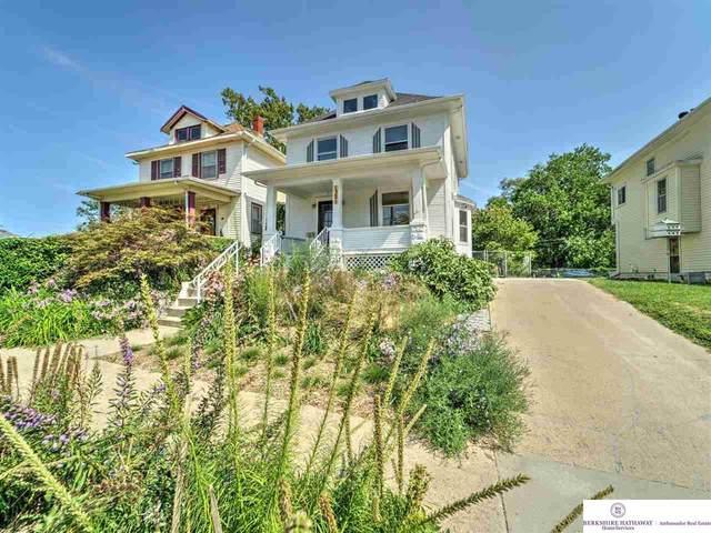 1321 N 29th Street, Omaha, NE 68131 (MLS #22121513) :: Elevation Real Estate Group at NP Dodge