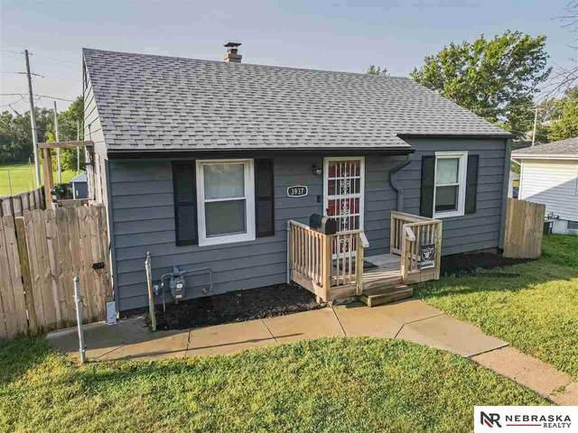 3937 N Street, Omaha, NE 68107 (MLS #22121622) :: Lincoln Select Real Estate Group