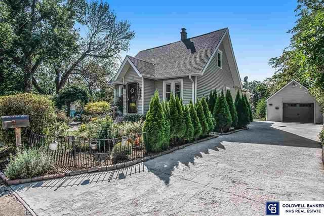 1602 N 9th Street, Bellevue, NE 68005 (MLS #22121735) :: kwELITE