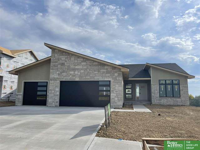 7805 S 199th Street, Gretna, NE 68028 (MLS #22121823) :: Lincoln Select Real Estate Group