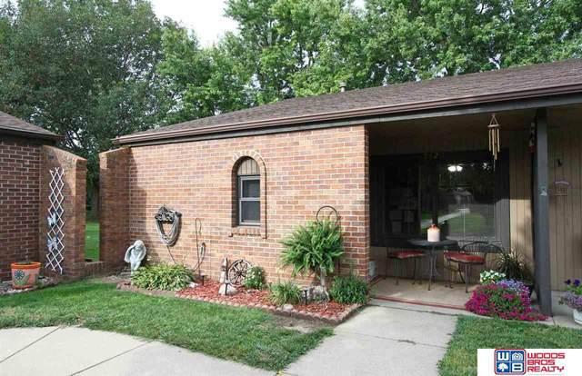 5423 Enterprise Drive, Lincoln, NE 68521 (MLS #22122005) :: Elevation Real Estate Group at NP Dodge