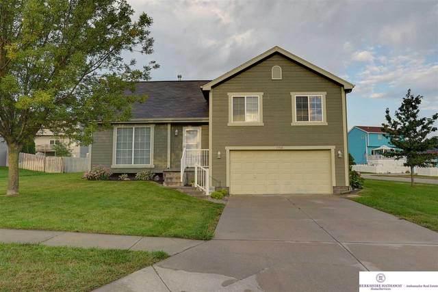11718 Willow Park Drive, Gretna, NE 68028 (MLS #22122318) :: Capital City Realty Group