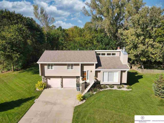 6018 Bridle Path, Omaha, NE 68152 (MLS #22123071) :: Lincoln Select Real Estate Group