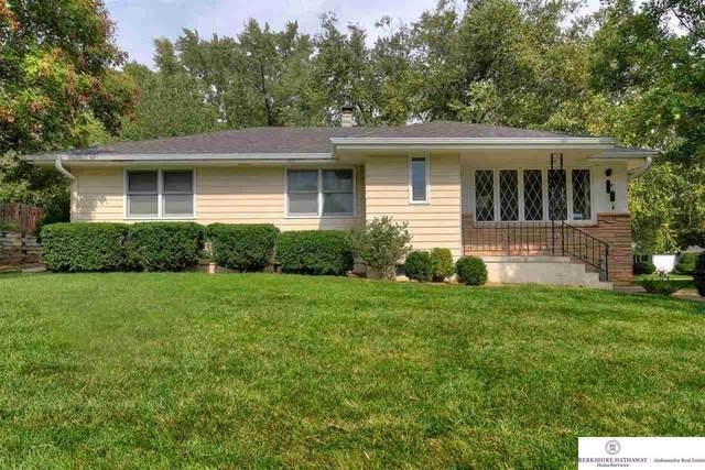 3293 S 77 Avenue, Omaha, NE 68124 (MLS #22123332) :: Lincoln Select Real Estate Group