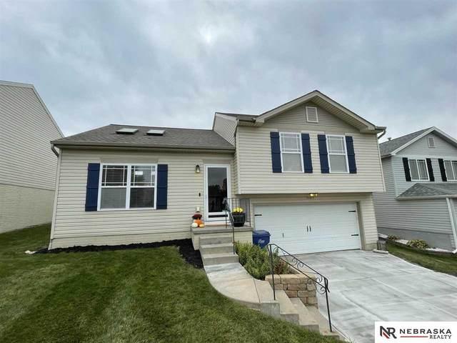 15409 Willit Street, Bennington, NE 68007 (MLS #22123583) :: Lincoln Select Real Estate Group