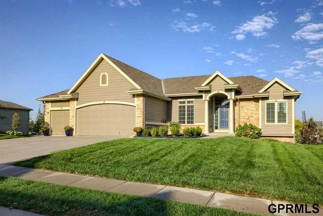 7202 N 154 Street, Bennington, NE 68007 (MLS #22124151) :: Lincoln Select Real Estate Group