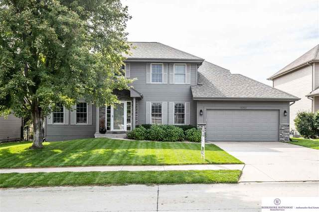 19701 Woolworth Avenue, Omaha, NE 68130 (MLS #22124254) :: Lincoln Select Real Estate Group