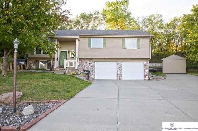 20225 Pearl Circle, Elkhorn, NE 68022 (MLS #22124504) :: Cindy Andrew Group