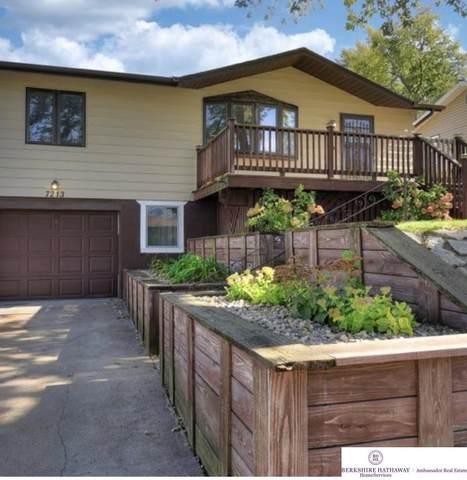 7213 S 50 Street, Omaha, NE 68157 (MLS #22124900) :: Lincoln Select Real Estate Group