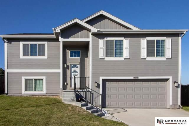9212 Craig Street, Omaha, NE 68122 (MLS #22124925) :: Lincoln Select Real Estate Group
