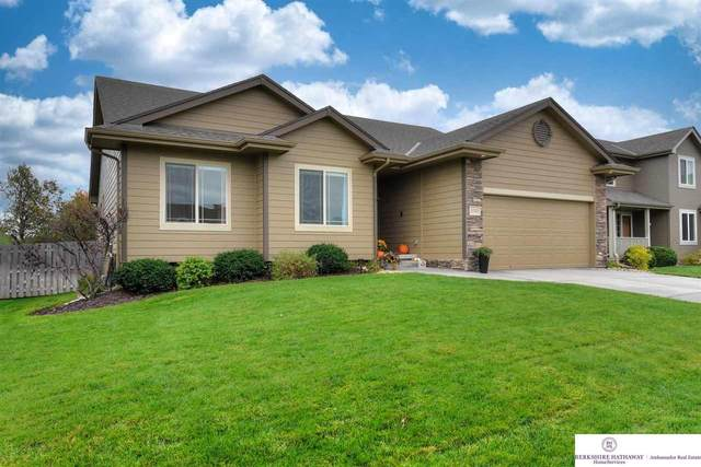 17571 Taylor Street, Omaha, NE 68116 (MLS #22125817) :: One80 Group/KW Elite