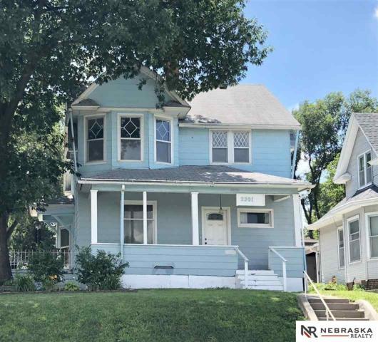 2201 F Street, Omaha, NE 68107 (MLS #21812975) :: Omaha's Elite Real Estate Group