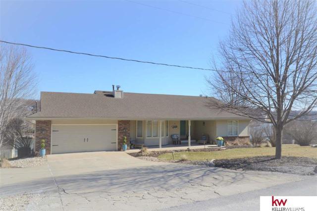 820 Beaver Lake Boulevard, Plattsmouth, NE 68048 (MLS #21903150) :: Nebraska Home Sales