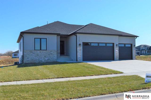 7262 N 49th Street, Lincoln, NE 68504 (MLS #21907691) :: Complete Real Estate Group