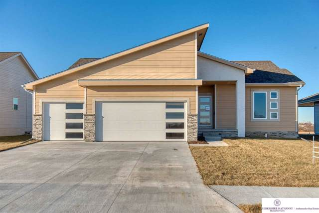 12020 S 44 Street, Bellevue, NE 68123 (MLS #21914829) :: Dodge County Realty Group