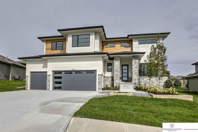 2008 S 211 Street, Elkhorn, NE 68022 (MLS #21918833) :: One80 Group/Berkshire Hathaway HomeServices Ambassador Real Estate