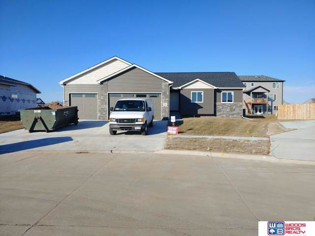320 Jackson Circle, Hickman, NE 68372 (MLS #21923094) :: Omaha's Elite Real Estate Group