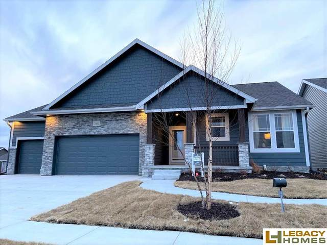 7401 N 11th Street, Lincoln, NE 68521 (MLS #21926386) :: Dodge County Realty Group