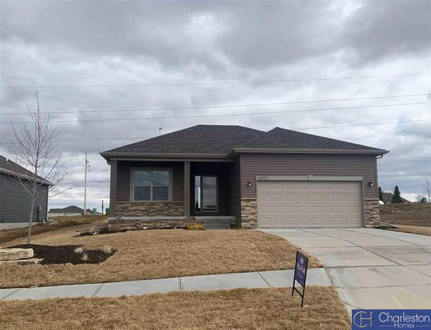 12957 S 49th Street, Bellevue, NE 68133 (MLS #22001055) :: kwELITE