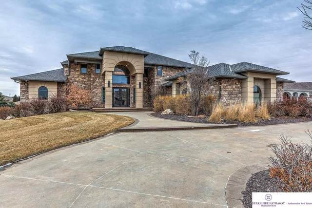 17076 S Reflection Circle, Bennington, NE 68007 (MLS #22003312) :: kwELITE