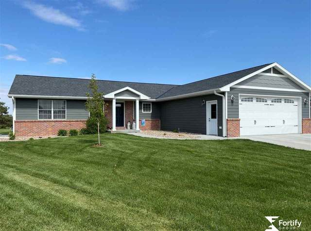 435 Legends Lane, Geneva, NE 68361 (MLS #22006563) :: The Briley Team