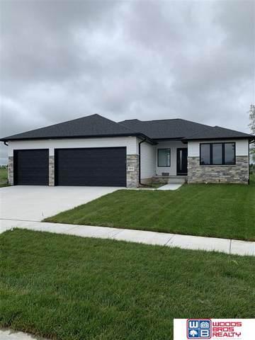 2839 N 90th Street, Lincoln, NE 68507 (MLS #22008780) :: Omaha Real Estate Group