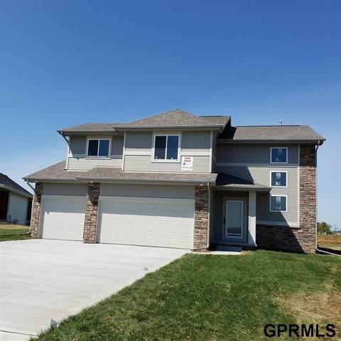 930 Elm Circle, Springfield, NE 68059 (MLS #22009427) :: The Homefront Team at Nebraska Realty