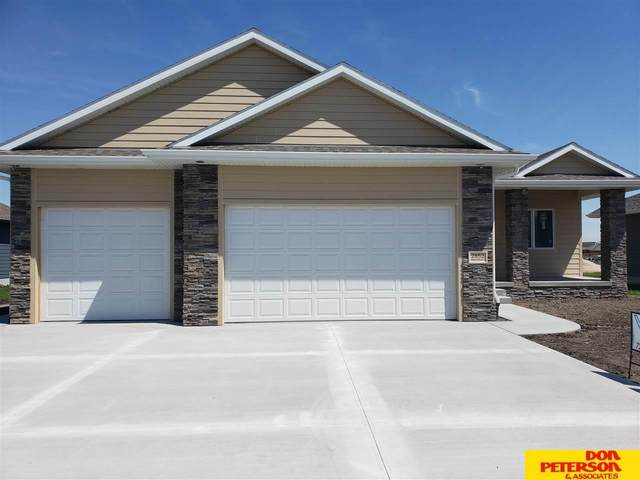 2852 Brooks Hollow Drive, Fremont, NE 68025 (MLS #22009633) :: Dodge County Realty Group