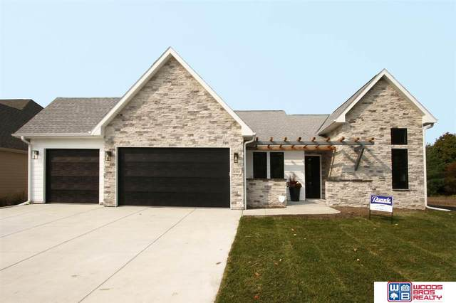 4505 Hawthorne Drive, Lincoln, NE 68516 (MLS #22010088) :: Cindy Andrew Group