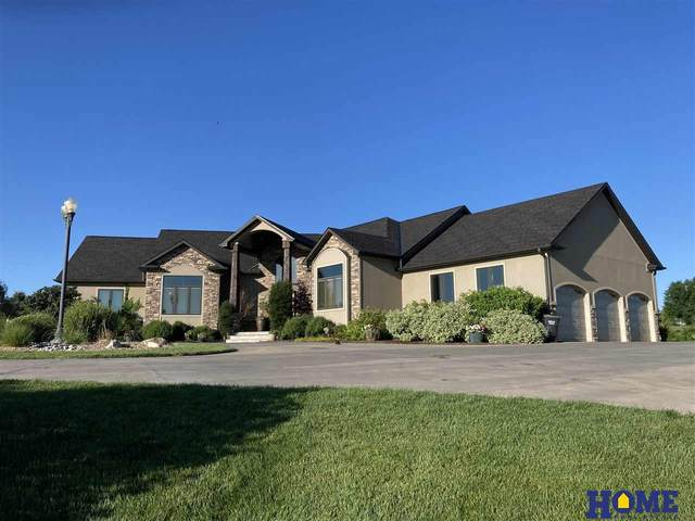 5111 New Castle Road, Lincoln, NE 68516 (MLS #22014504) :: kwELITE