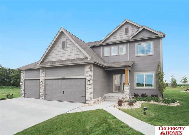 11742 S 111 Avenue, Papillion, NE 68046 (MLS #22015606) :: Dodge County Realty Group