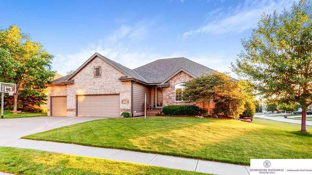 3906 S 192 Avenue, Omaha, NE 68130 (MLS #22015615) :: One80 Group/Berkshire Hathaway HomeServices Ambassador Real Estate