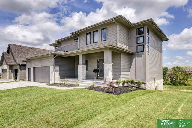 8001 N 167th Avenue, Bennington, NE 68007 (MLS #22015697) :: One80 Group/Berkshire Hathaway HomeServices Ambassador Real Estate