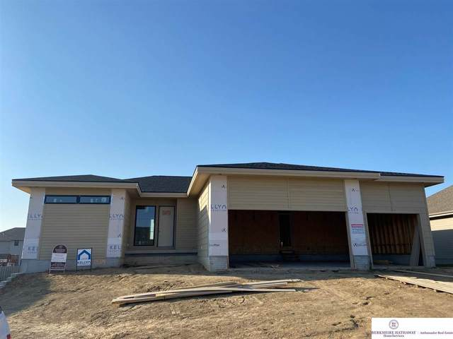 18319 Sherwood Avenue, Elkhorn, NE 68022 (MLS #22017462) :: Catalyst Real Estate Group