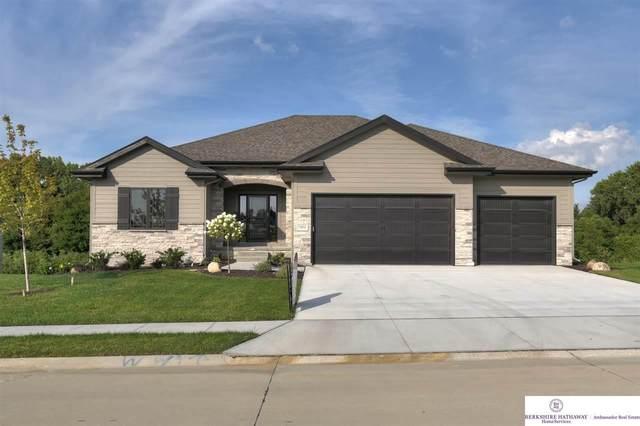 7802 S 181 Avenue, Omaha, NE 68136 (MLS #22018829) :: One80 Group/Berkshire Hathaway HomeServices Ambassador Real Estate