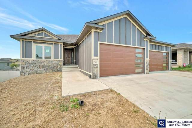 7701 S 78th Street, Lincoln, NE 68516 (MLS #22018928) :: The Excellence Team