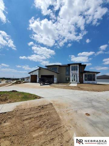 505 Waterside Way, Lincoln, NE 68527 (MLS #22026251) :: Dodge County Realty Group