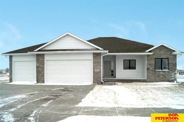 975 S Lauren Lane, Fremont, NE 68025 (MLS #22100427) :: Omaha Real Estate Group