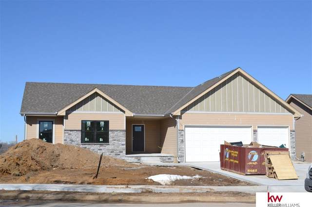 805 Oak Hollow Drive, Louisville, NE 68037 (MLS #22100683) :: Catalyst Real Estate Group
