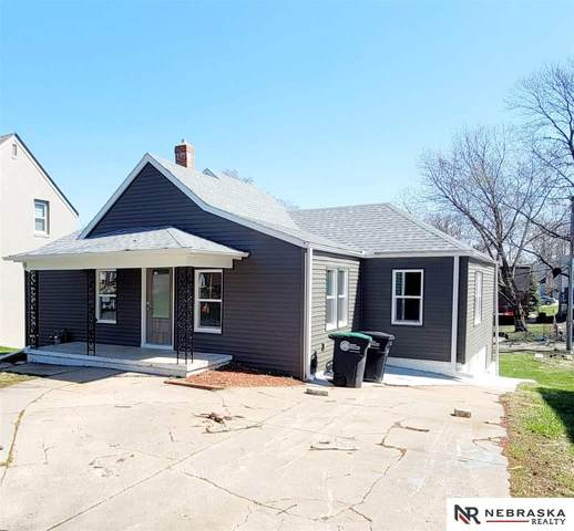 809 N 48th Street, Omaha, NE 68132 (MLS #22104822) :: kwELITE